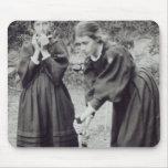 Virginia y Vanesa Stephen, en St Ives, 1894 Alfombrillas De Ratón