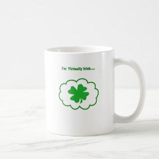 Virtualmente irlandés taza básica blanca