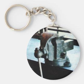 Vise Basic Round Button Keychain