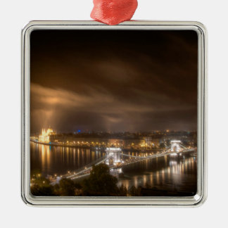 Visión a través de Budapest del castillo de Buda Adorno Navideño Cuadrado De Metal