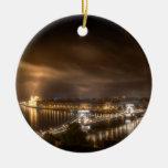 Visión a través de Budapest del castillo de Buda Ornamente De Reyes