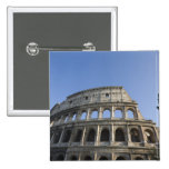 Visión amplia que mira para arriba el Colosseum Pin Cuadrado