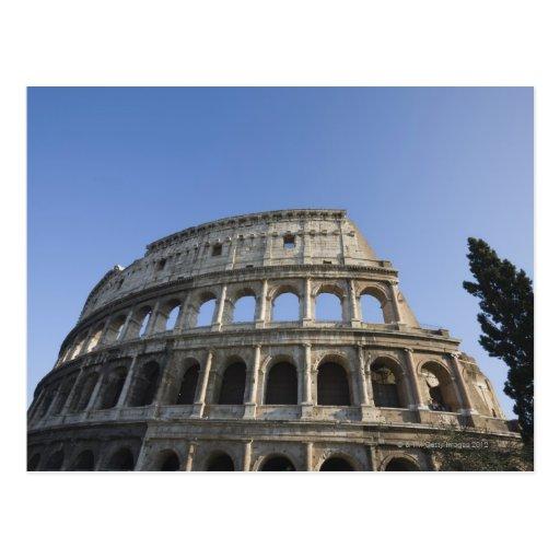 Visión amplia que mira para arriba el Colosseum Postales