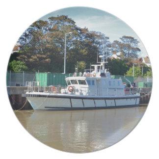 Visión del mar del buque de la encuesta platos