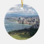 VISIÓN DESDE LA CABEZA OAHU, HAWAII DEL DIAMANTE ADORNO NAVIDEÑO REDONDO DE CERÁMICA