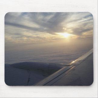 visión desde un cojín de ratón del aeroplano alfombrillas de raton