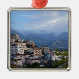Visión desde una ciudad calabresa de la colina adorno de navidad