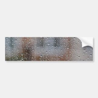 Visión desde una ventana mojada pegatina para auto