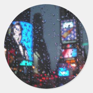 Visión lluviosa pegatina redonda