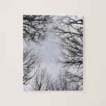 Visión que mira a través de árboles puzzles