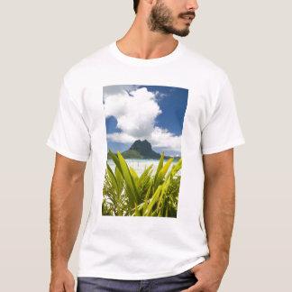 Visit to small picnic island in lagoon at Bora T-Shirt