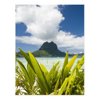 Visita a la pequeña isla de la comida campestre en postal