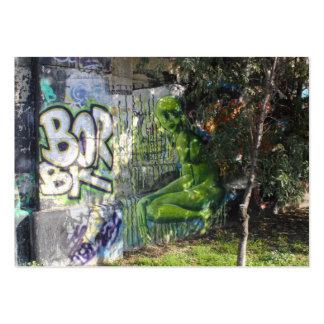 Visitante verde de la pintada del espacio exterior tarjetas de visita grandes