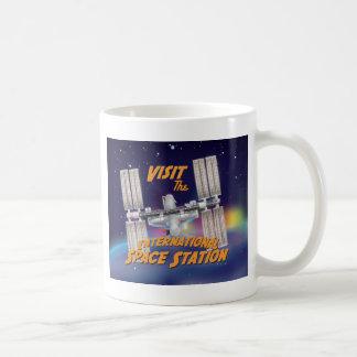 Visite la estación espacial internacional taza clásica