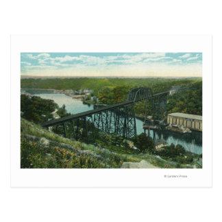 Vista aérea de la cala de Rondout y del puente de Postales