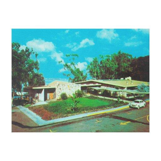 Vista aérea de la casa de campo de oro del centro  impresión en lienzo estirada