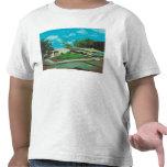 Vista aérea de la casa de campo de oro del centro camiseta