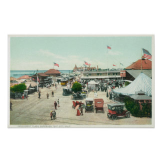 Vista aérea de la ciudad de la tienda y de la plaz póster