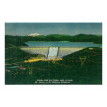 Vista aérea de la presa de Shasta, lago, montaña e Posters