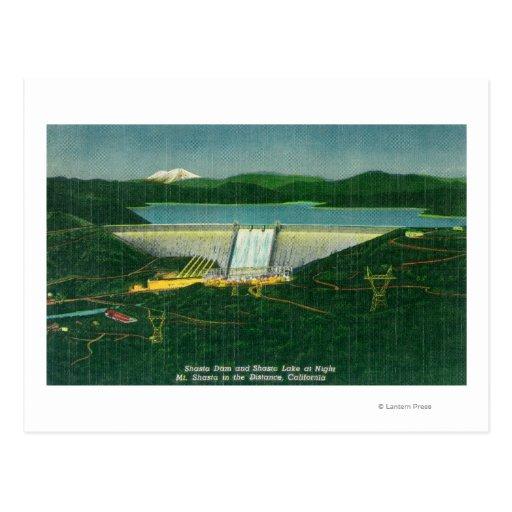 Vista aérea de la presa de Shasta, lago, montaña Postales