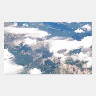 Vista aérea de montañas rocosas pegatina rectangular