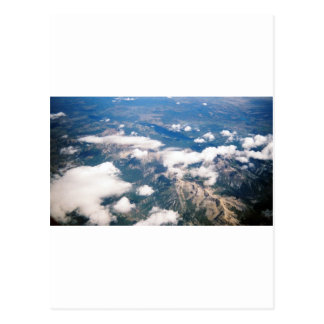 Vista aérea de montañas rocosas tarjeta postal