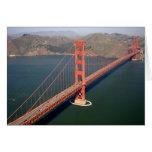 Vista aérea de puente Golden Gate en los 2 Tarjetas