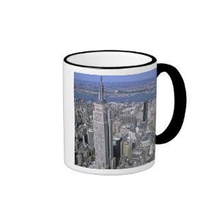 Vista aérea del Empire State Building y Tazas