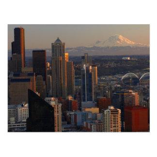 Vista aérea del horizonte 2 de la ciudad de Seattl Tarjeta Postal