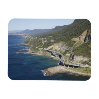 Vista aérea del puente del acantilado del mar cerc imanes