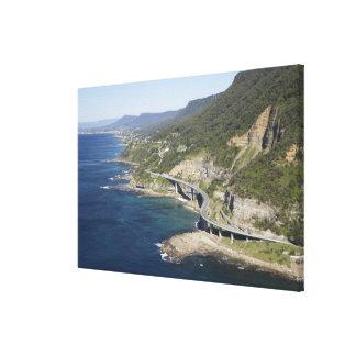 Vista aérea del puente del acantilado del mar cerc impresión en tela