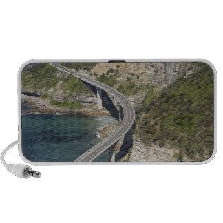 Vista aérea del puente del acantilado del mar cerc iPod altavoces