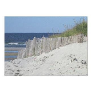 """Vista al mar a través de la cerca de la playa invitación 5"""" x 7"""""""