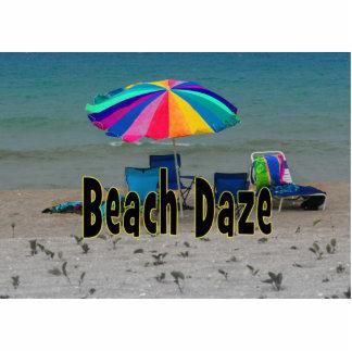 vista al mar colorida de la playa del paraguas del escultura fotográfica
