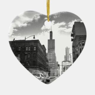 Vista blanco y negro de Torre Sears Adorno De Cerámica En Forma De Corazón