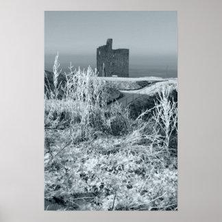 vista christmasy de la ruina del castillo del ball póster