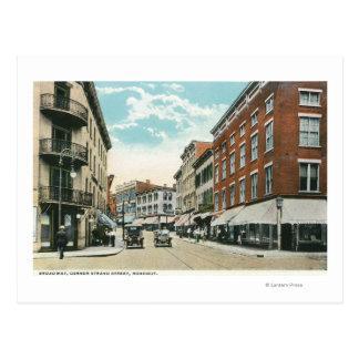 Vista de Broadway y de la calle de la esquina del Tarjetas Postales