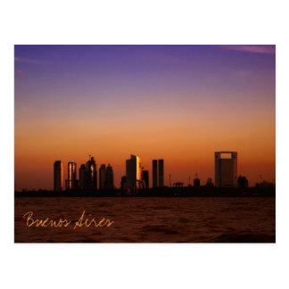 Vista de Buenos Aires en la puesta del sol Tarjeta Postal