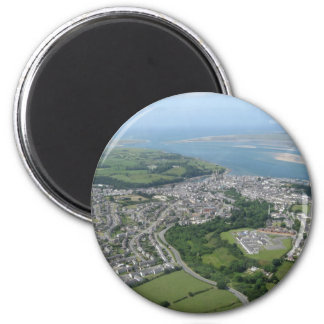 Vista de Caernarfon y de Anglesea Imán Redondo 5 Cm