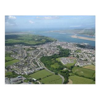 Vista de Caernarfon y de Anglesea Tarjetas Postales