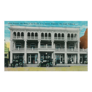 Vista de frente del pen¢asco de Tremont HotelRed,  Posters