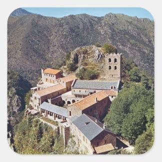 Vista de la abadía de San Martín du Canigou Calcomania Cuadrada Personalizada