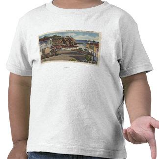 Vista de la bahía y de residencias esmeralda camiseta
