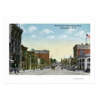 Vista de la calle del estado del parque creciente tarjeta postal