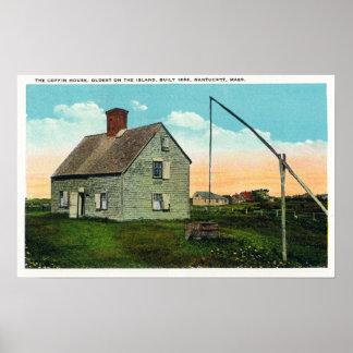 Vista de la casa del ataúd, más vieja en la isla póster