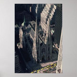 Vista de la catedral de St Patrick Poster