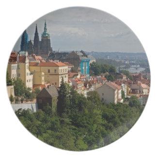 Vista de la catedral de Vitus del santo Praga ch Plato De Cena