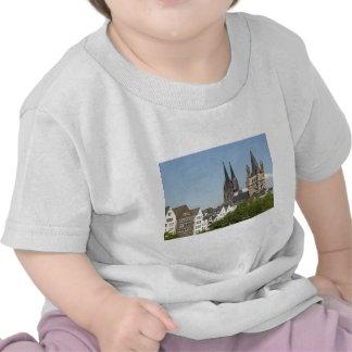 Vista de la ciudad de Koeln (Colonia) en Alemania Camiseta