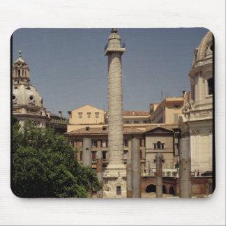 Vista de la columna de Trajan, ANUNCIO 113 Mousepad