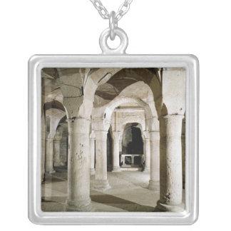 Vista de la cripta colgante cuadrado
